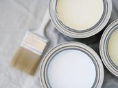 Malerutensilien insbesondere Farben und Lacke